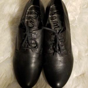 Sam Edelman Black Leather Tie Up Flats